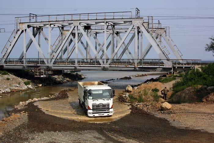 На Седанке мост АТЭС