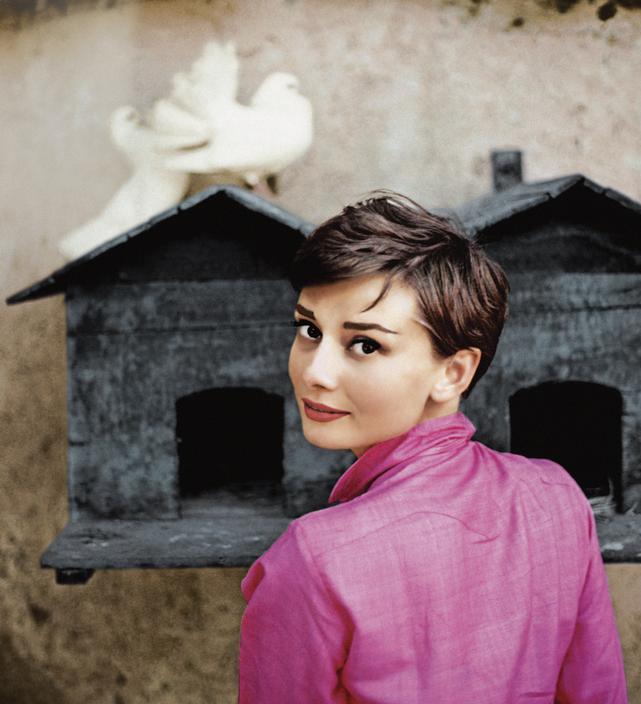 1955 Италия Одри Хепберн Philippe Halsman.jpg