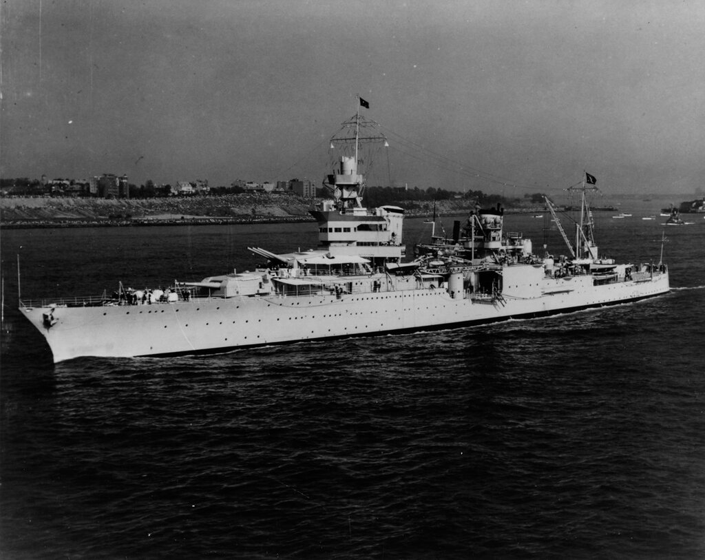 USS Indianapolis (CA-35) Steaming in New York Harbor with President Franklin D. Roosevelt on board, at the time of the Presidential fleet review off Ambrose Light, New York, 31 May 1934
