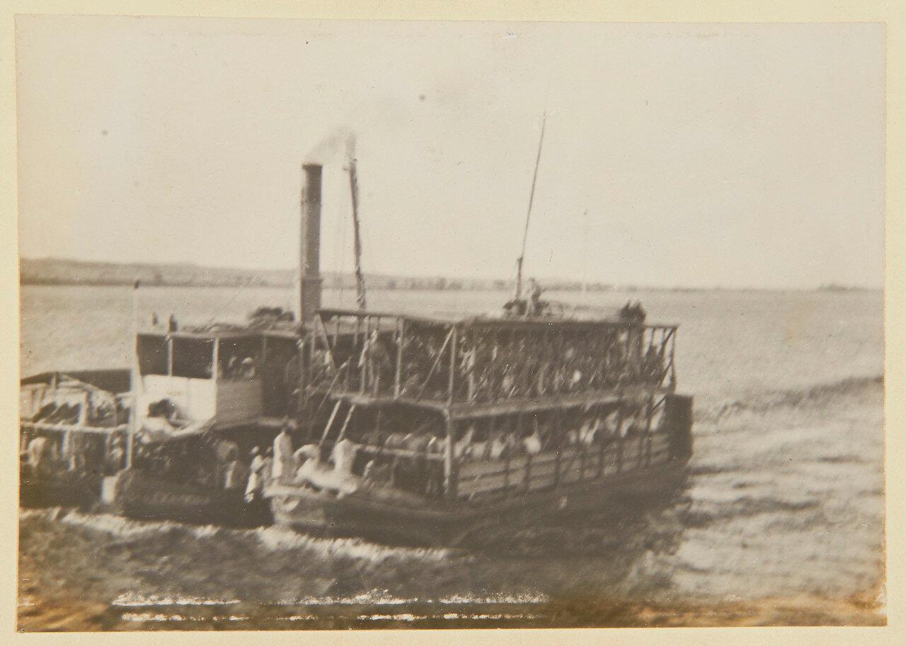 Август 1898. Пароход, перевозящий 21-й Уланский полк Вади-Хальфа