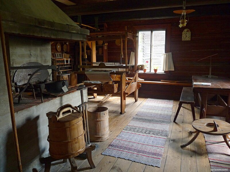 Кухня и большая комната.
