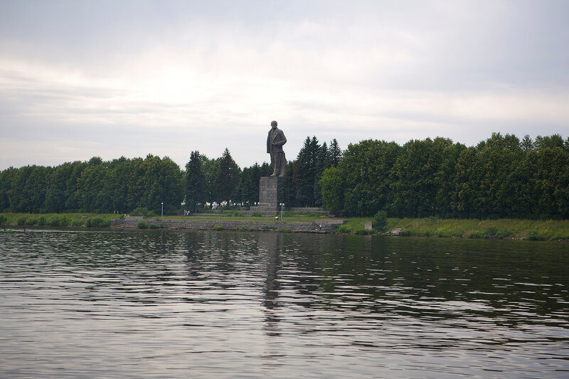 http://img-fotki.yandex.ru/get/4206/mrdtv2010.4/0_39aa8_34013165_XL.jpg