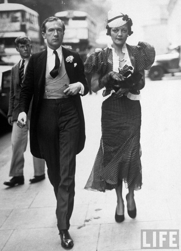Фотограф Сесил Битон в сопровождение Фрэнсис Добл,1937