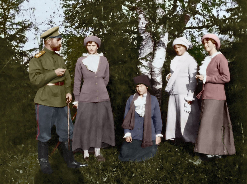 nicholas_ii_with_his_daughters_by_kraljaleksandar-d312wm3.jpg