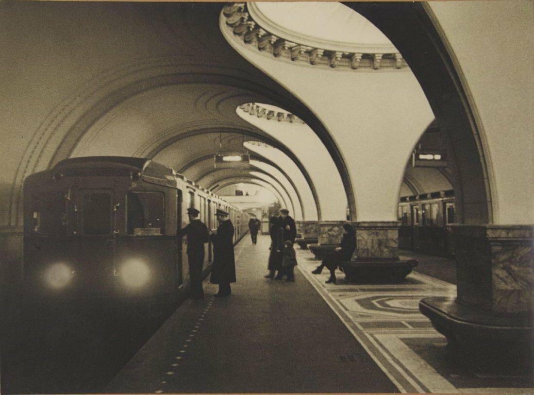 1938. Эммануил Ноевич Евзерихин. Станция метро Сокол