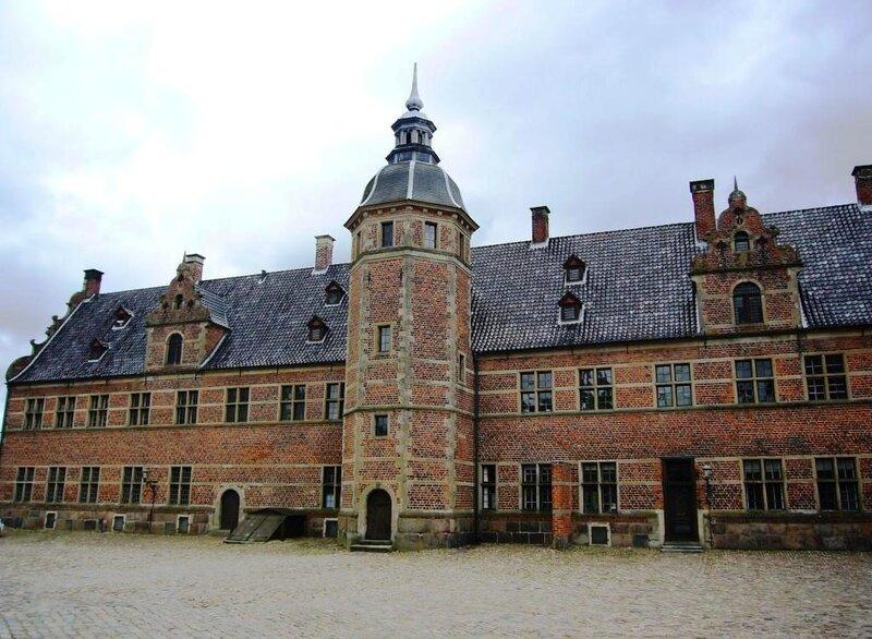 Во внутреннем дворе замка Frederiksborg.