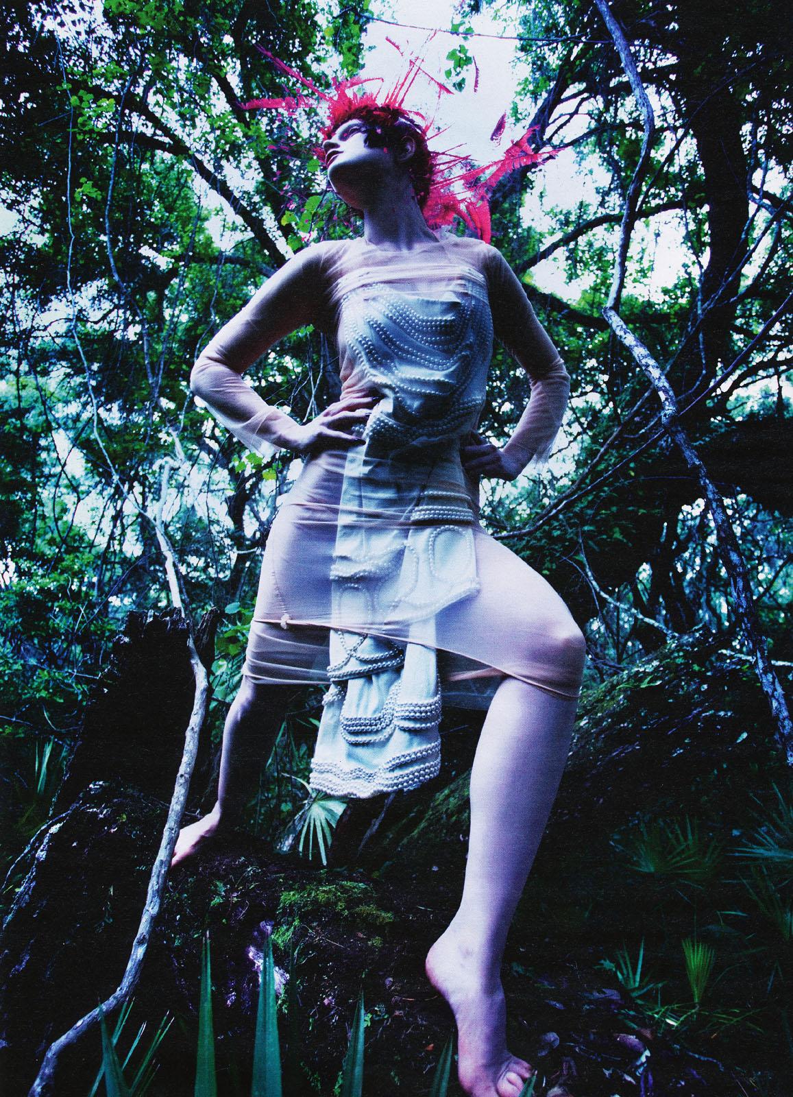 эротика фотомодель фотографы модели мода fashion story fashion  Лесные симфонии Марио Сорренти для журнала W, август 2009