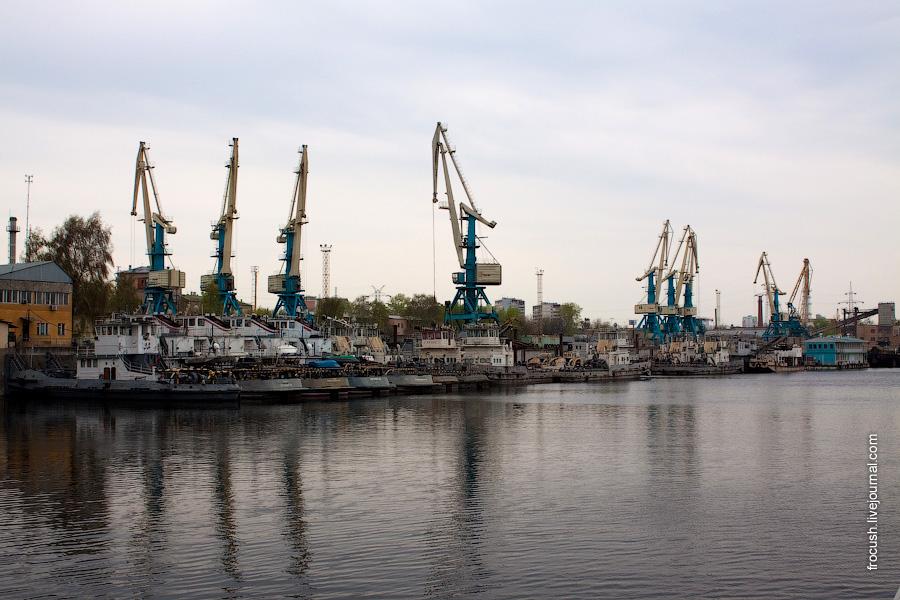 Западный грузовой порт