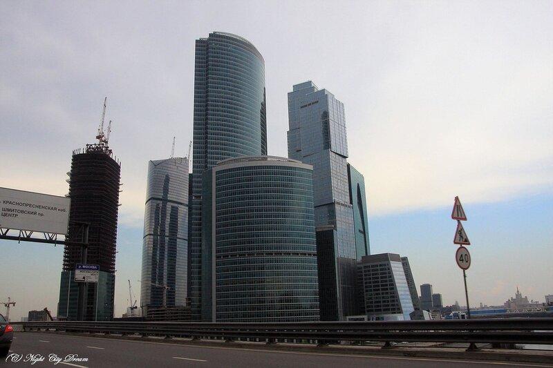 http://img-fotki.yandex.ru/get/4207/night-city-dream.10/0_26828_4925491c_XL.jpg