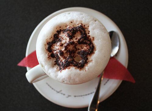 Цветочек на кофе