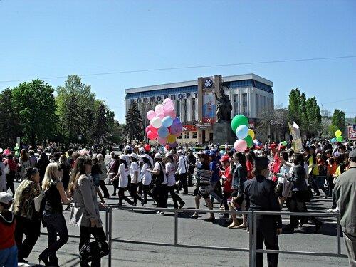 Праздничная демонстрация в городе-герое Новороссийске. Краснодарский край. ... SDC16496.JPG