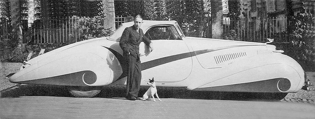 1937 Cadillac V-16 with Swiss Coachwork by Hartmann 2.jpg