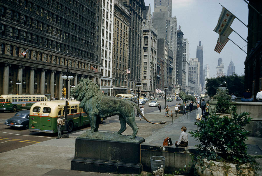 1945 Chicago Willard Culver Looking north from the Art Institute Michigan Ave at Adams.jpg