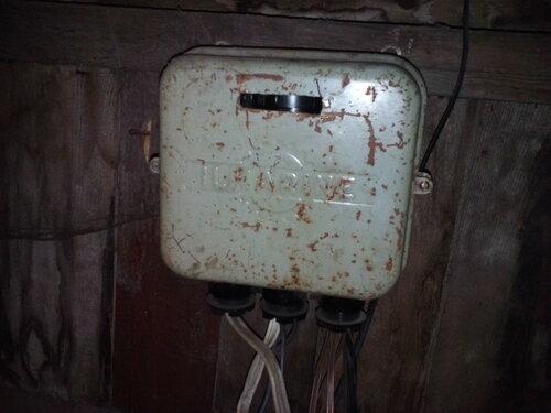 Вызов аварийного электрика в частный дом по поводу отсутствия света на чердаке