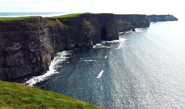 Несмотря на свою красоту, эти скалы являются ещё одним популярным местом самоубийств. 7. Круизные ла