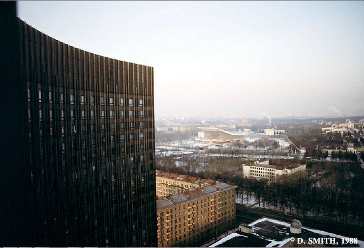 Вид города из гостиницы Космос