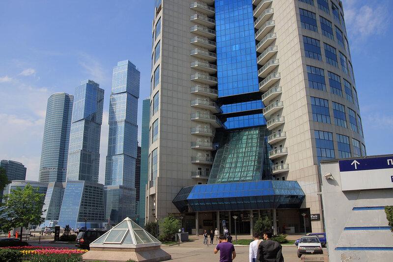http://img-fotki.yandex.ru/get/4208/night-city-dream.11/0_26f0f_a47ab77_XL.jpg