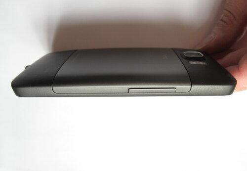 HTC HD2, вид сбоку
