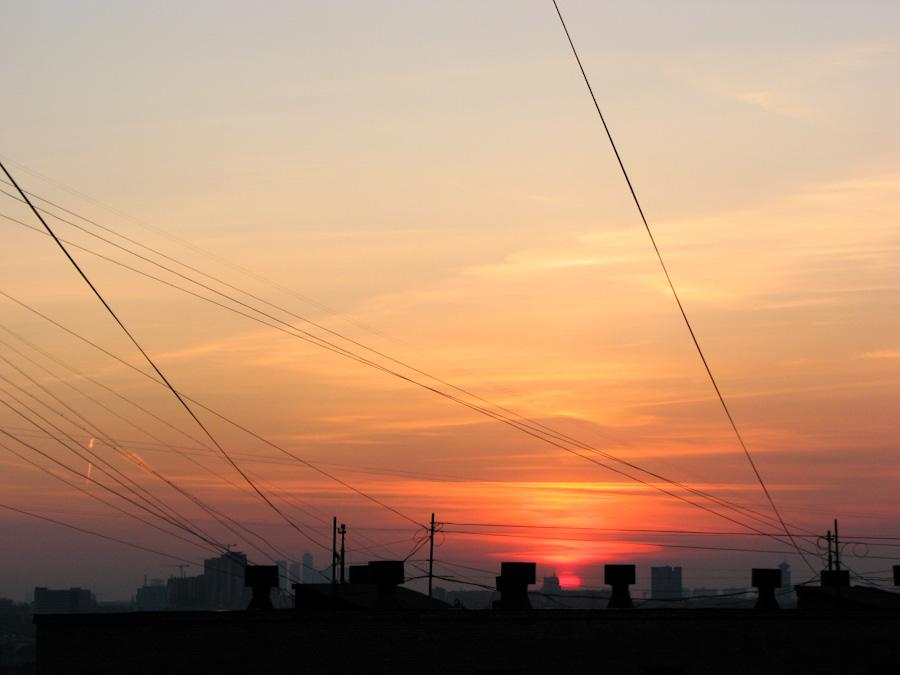 industrial, город, закат, здания, индастриал, москва, небо, облака, пейзаж, провода, солнце
