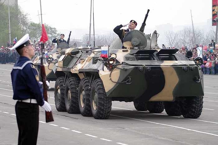 Во Владивостоке начались репетиции военного парада