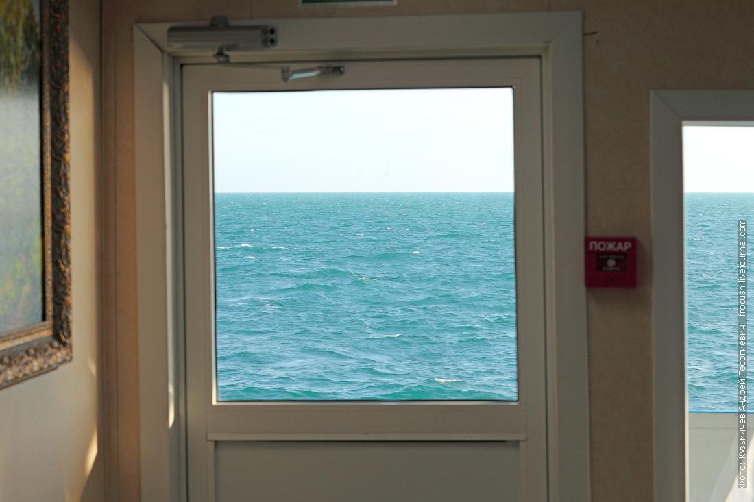волны в Каспийском море