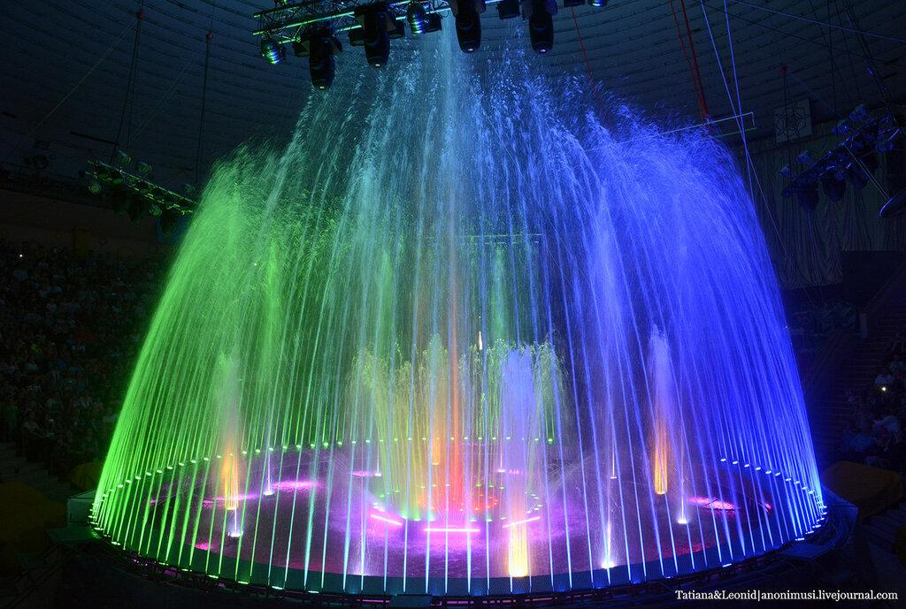 Цирк-шоу гигантских фонтанов. Гомель