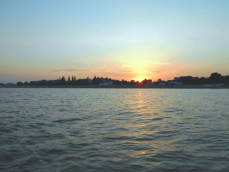 В море, при восходе Солнца ... DSCN0922.JPG