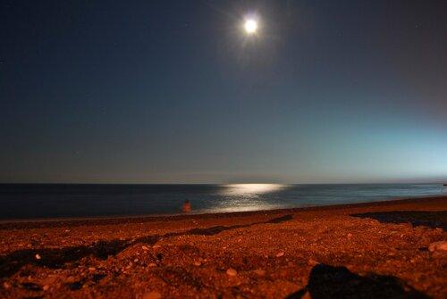 Місяць над Чормним морем