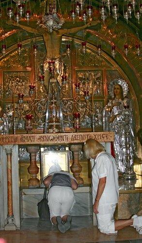 Российские туристки в Храме Гроба Господня