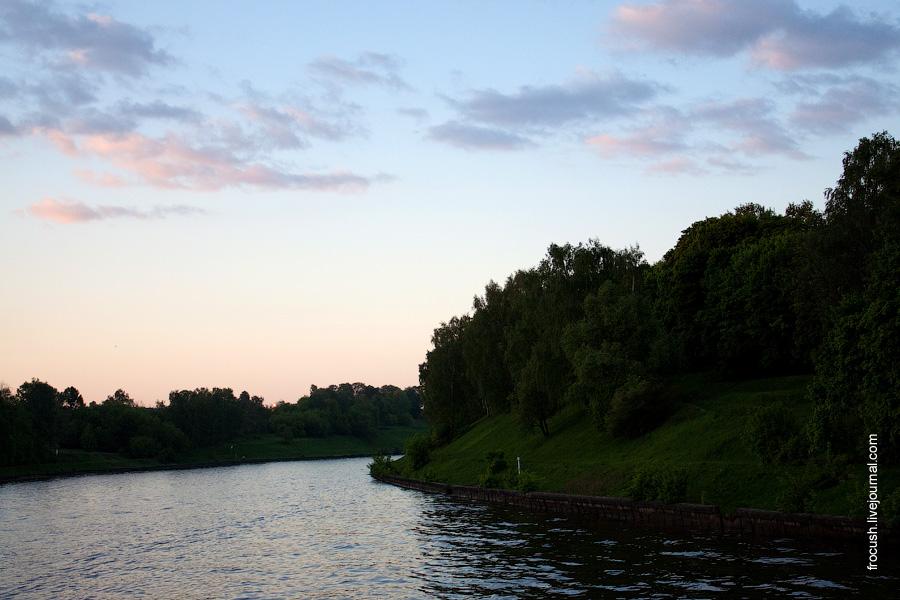 Вечер на канале имени Москвы