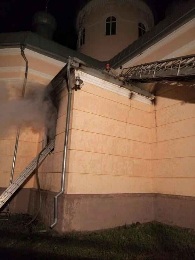 На Николаевщине горела церковь УПЦ КП. ФОТО