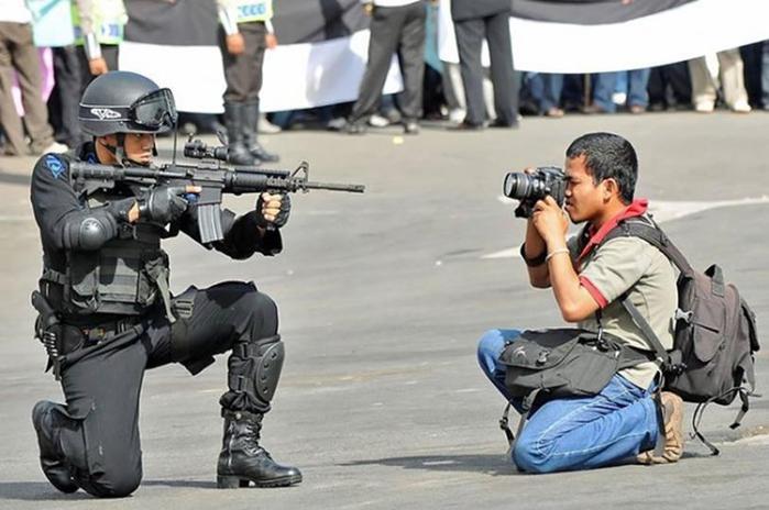 На что готовы смелые фотографы ради хорошего кадра 0 146ad0 6ef9c69b orig