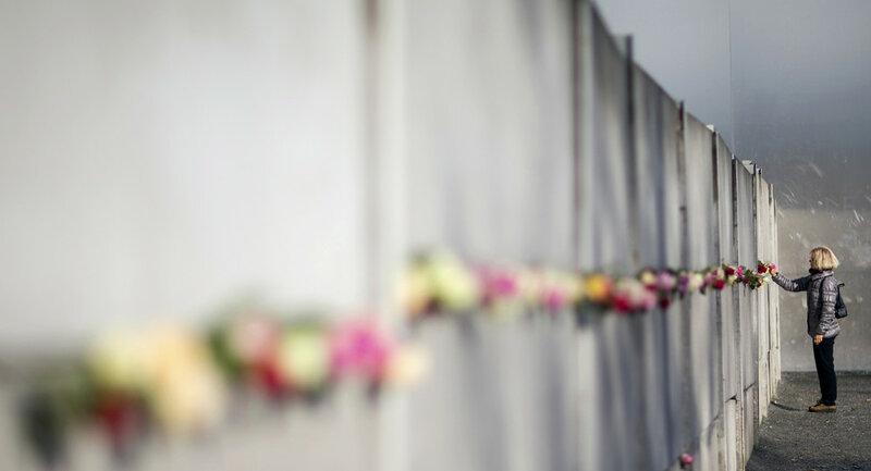 25 лет падения Берлинской стены. Уникальные исторические фотографии 0 1b49ed 86b4845d XL