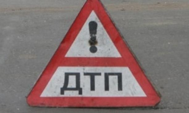 ВВоронежской области груженая сплавом фура опрокинулась намашину ГИБДД: умер полицейский
