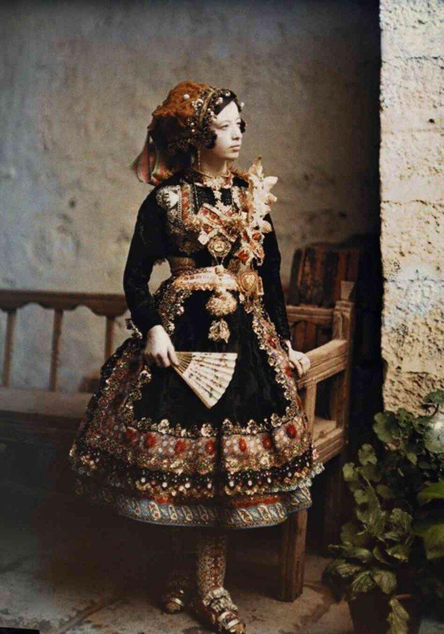 1924. Испания. Девушка с веером, Лагартера