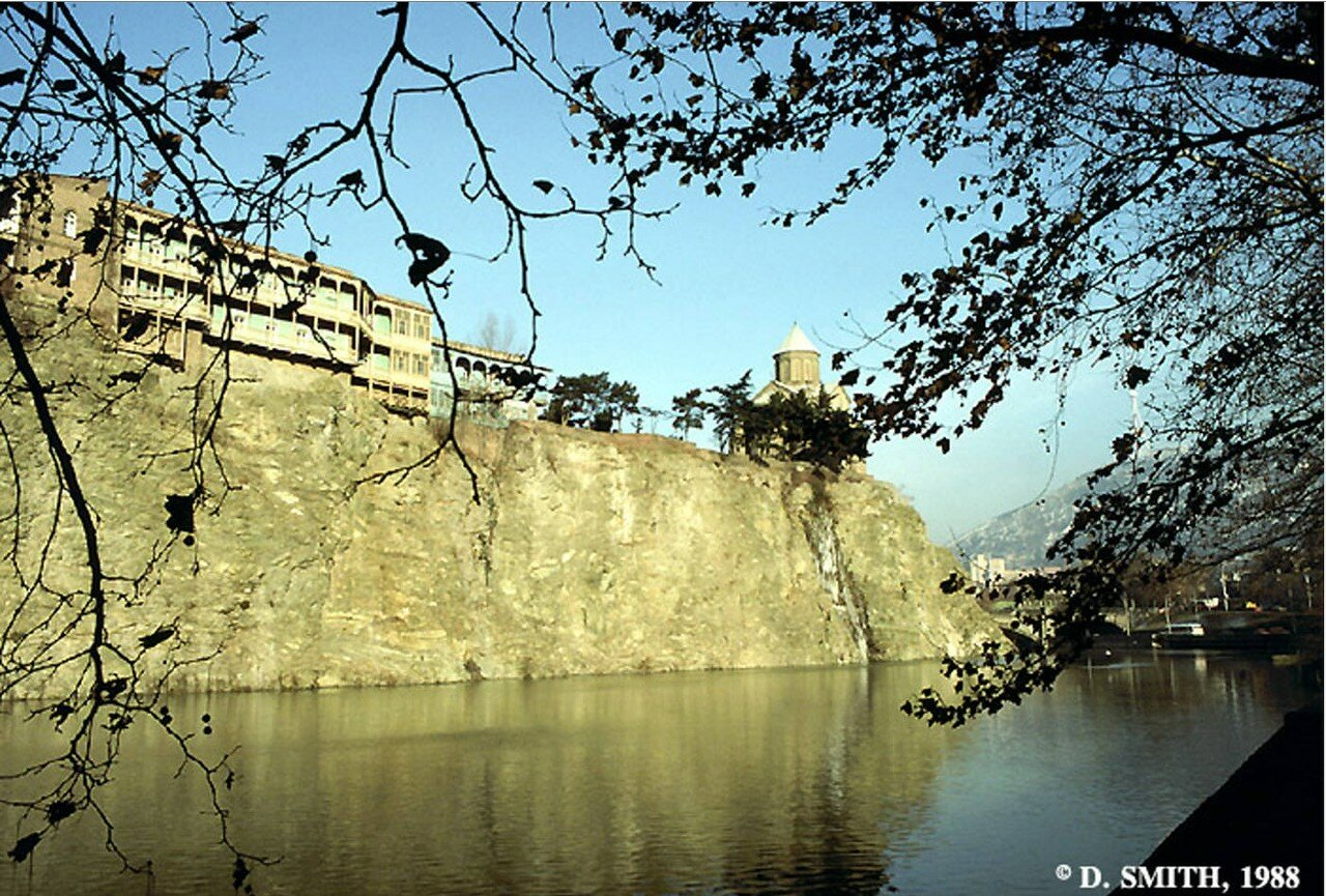 Набережная реки Кура
