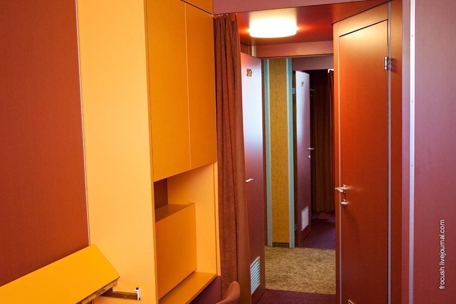 Двухместная одноярусная каюта №240 на средней палубе теплохода «Максим Горький» (проект Q-040)