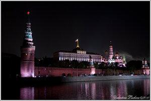 Кремль в ночь с 8 мая на 9 мая 2010.