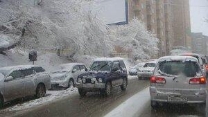 На Владивосток обрушился очередной снегопад