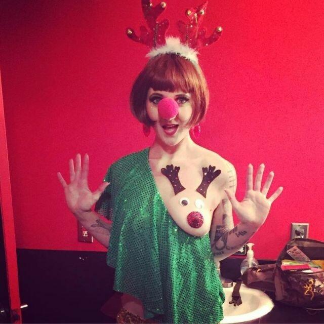 0 17ca4c 76120c4f XL - Модная рождественская забава американок #reindeerboob