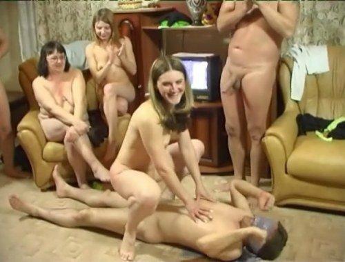 порнографический фильм игра в ромашку