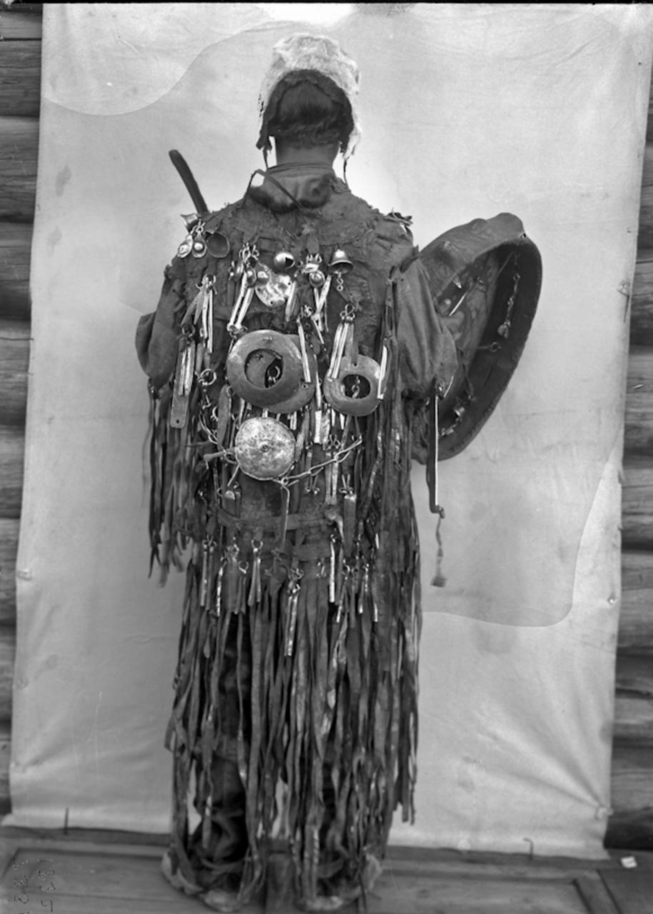 Якутский шаман в церемониальной одежде , 1902 g