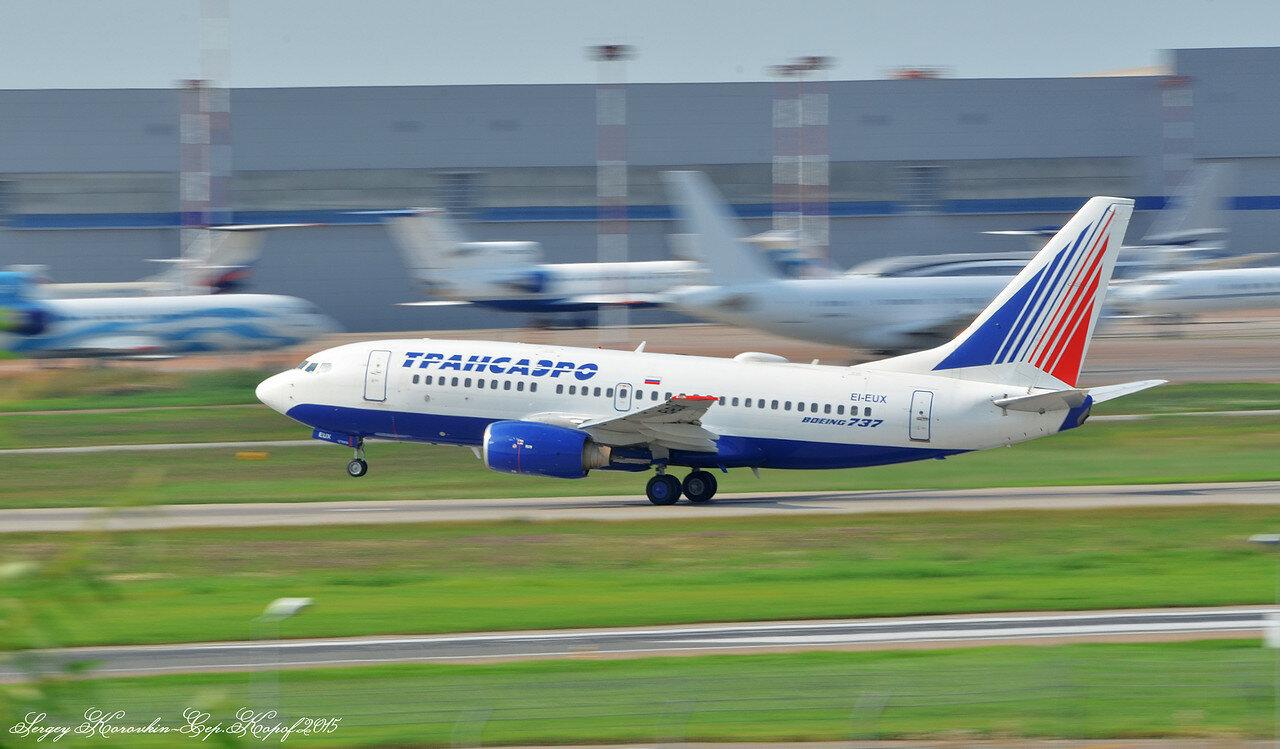Boeing 737-7Q8 Transaero EI-EUX.JPG