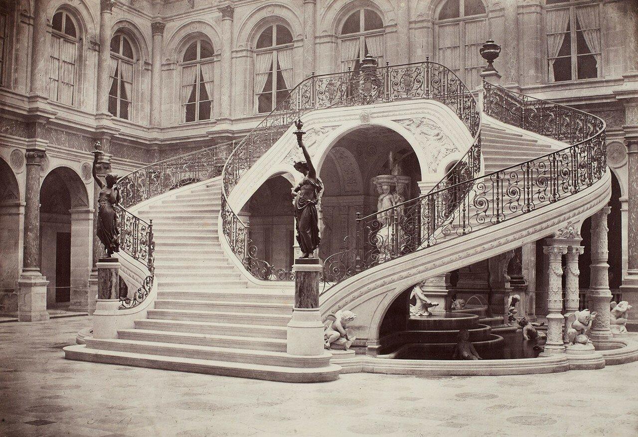 1860-е. Отель-де-Виль, Лестница Суда Чести