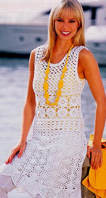 летнее вязаное платье крючком