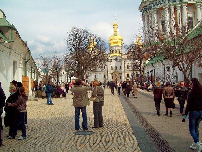 Соборная площадь Киево-Печерской лавры