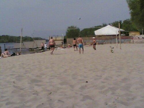 девушки на пляже довбычка фото
