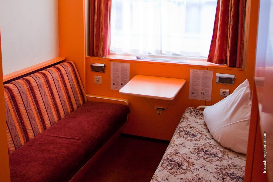 Двухместная одноярусная каюта №265 на средней палубе теплохода «Александр Пушкин»