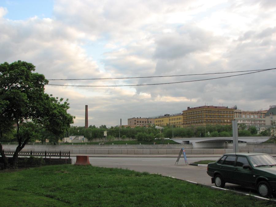 2009, весна, город, заброшенные, заводы, здания, индастриал, москва, провода, река, россия