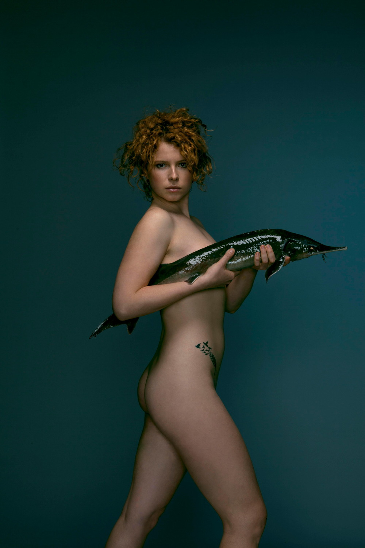 Британские знаменитости разделись, чтобы защитить рыб